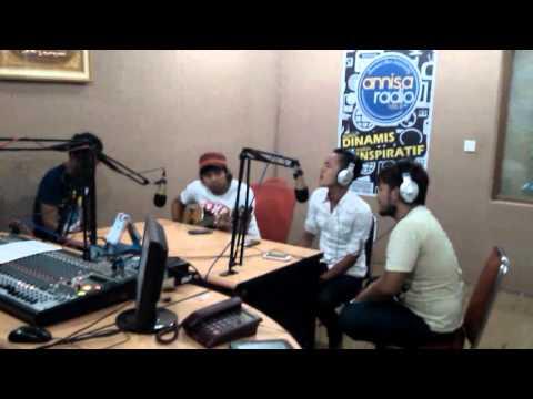 amora band akustik at radio annisa cikampek
