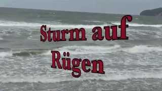 Sturm tobt auf Rügen
