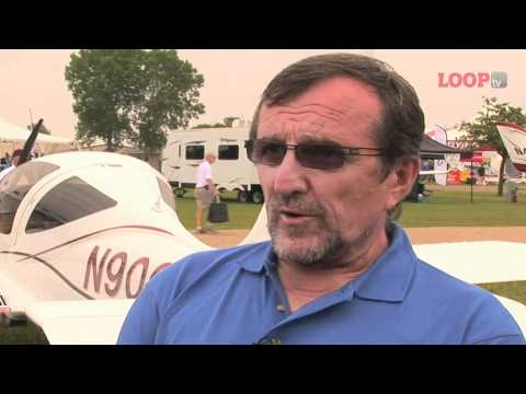 Evektor EV55 Outback - Oshkosh