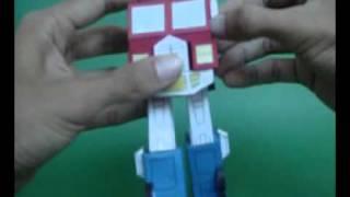 AUTOBOT-LEADER-OPTIMUS-PRIME-SEASON1-MADE-IN-CARDBOARD