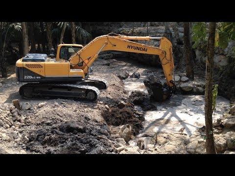 Hyundai 220 lc 95 crawler excavator