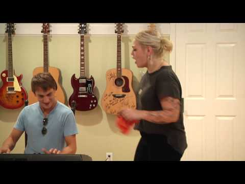 Elle King-Playing For Keeps-Live At Camp Krim 8/9/12