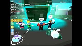 team roblox (lac cai mong) trong game Moon! 🐾 Pet Simulator!