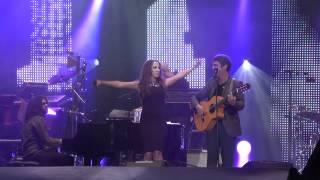 ALEJANDRO SANZ & MALÚ - Corazón Partío (En directo)