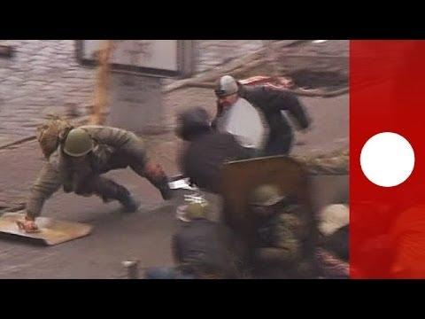 Brutal video shows all-out street war in Kiev, death toll ri