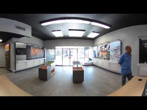 CellSmart Team Training in Boost Mobile Future Store - 360 Video