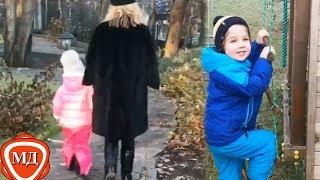 ДЕТИ ПУГАЧЕВОЙ И ГАЛКИНА: Лиза с мамой ищут котят! |Гарри играет на гармошке! |Прикол от Максима!