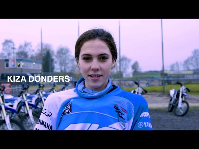 Motorcross Les: 14-jarige Kiza Donders Verbeterd haar Motorcross Skils tijdens de Motorcross-cursus
