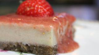 Vegan Strawberry Cheesecake - Organic & Gluten-free