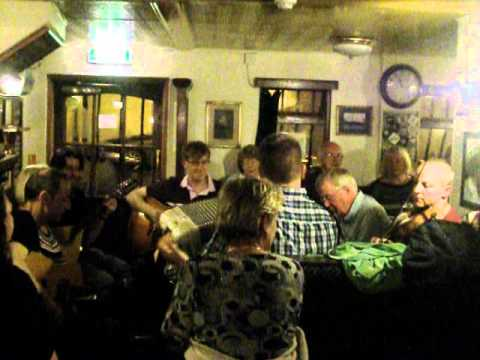 Live folk music in The Fishermans Taverns 5 - Dundee 2012