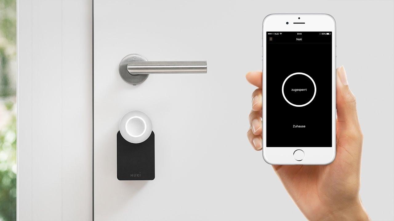 nuki la serrure lectronique la smart lock avec bluetooth pour votre porte youtube. Black Bedroom Furniture Sets. Home Design Ideas