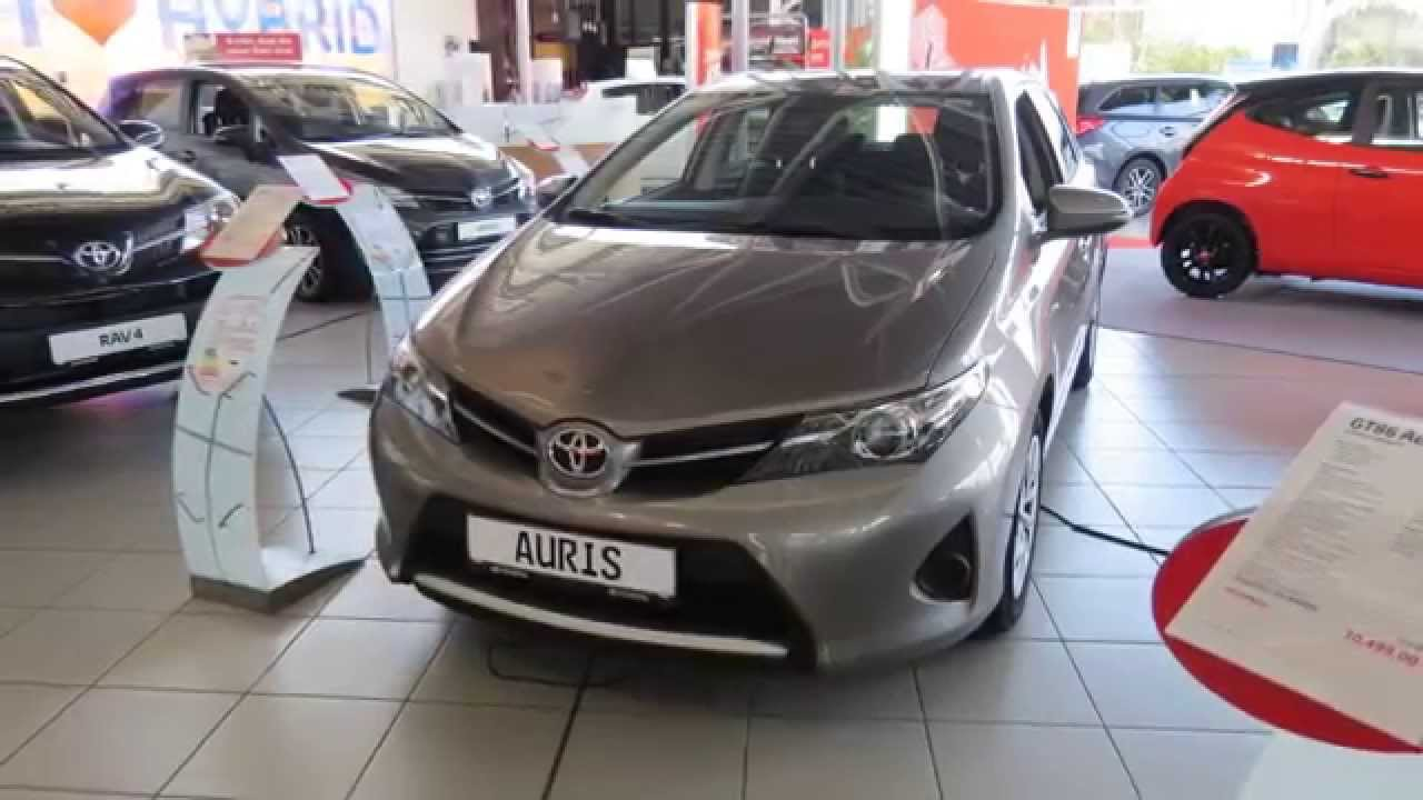 2015 toyota auris cool 5 door youtube. Black Bedroom Furniture Sets. Home Design Ideas