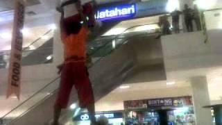 latihan tonggak Tri Sakti lion dance Makassar