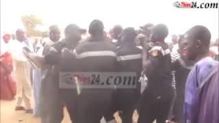 Les talibés en transe au mausolée Serigne Cheikh (16 mars 2017)