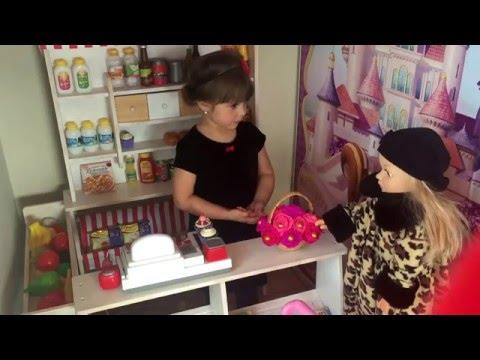 Играем в магазин \ в главных ролях: Ника-Мария и кукла Женя
