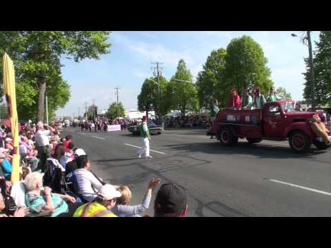 Victoria Day Parade 2015
