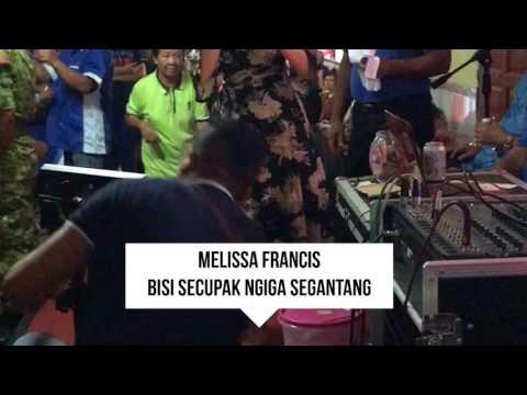 Melissa Francis & Linda at Kpg Lachau??!!!