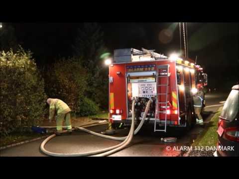 11.11.2016 Overtædt villa   brandfolk kæmper med flemmerne, Dragør