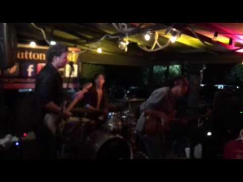 Rick Reese (John Sutton Band) solo @ Salty Snapper Valdosta, Ga 7/15/17