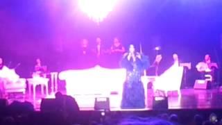 Bu Akşam Yine Dertlerimle (Sen Gençliğimin Katilisin) - Bülent Ersoy (Konser) 2017 Video