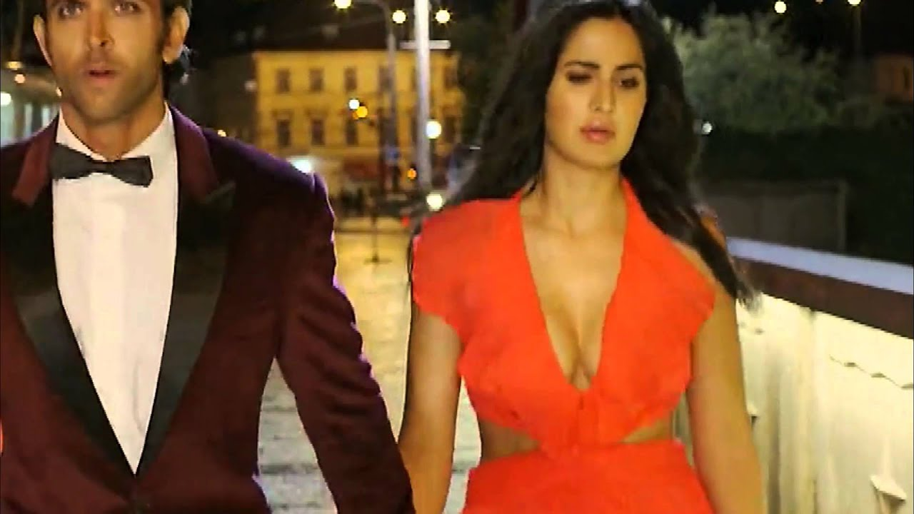 The incorrect katrina kaif showing boobs