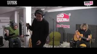 FiRMA - Daca ne-am ucide unul pe altul LIVE( RadioGuerrilla)