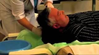 Мытье головы больного
