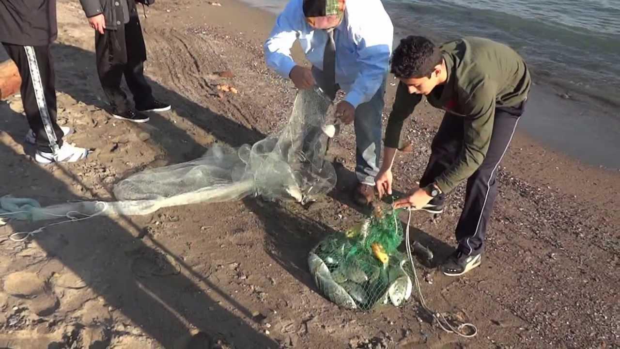 Pesca con la rete da lancio il rezzaio grande pesca con for Rete da pesca arredamento
