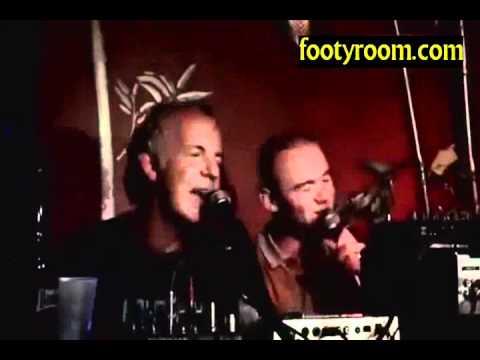 Wayne Rooney singing Wonderwall & Yesterday Karaoke