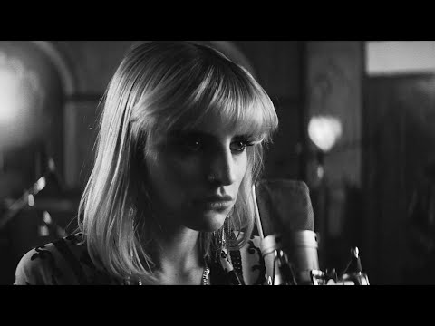 THE MAVENS - I Don't Believe In Love (Paradise City Music Video) feat. Lilith Czar & Starbenders