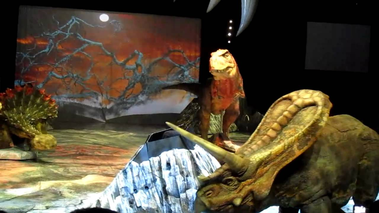 Walking With Dinosaurs Live! at Singapore - Torosaurus and ...