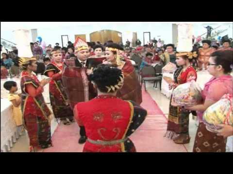 Hita Nadua Gabe Sada - Pengantin Bernyanyi sesudah ulos Hela