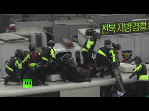Park Impeachment Rallies: 2 dead in clashes in South Korea