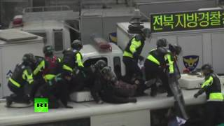 Park Impeachment Rallies  2 dead in clashes in South Korea