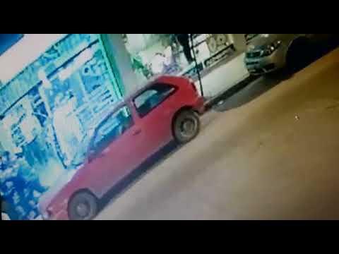 Les robaron el arma a dos efectivos de la Policía Local