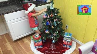 Make Christmas Ornaments Using Toys! DIY Hacks for Kids