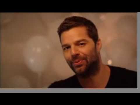 Ricky Martin (Spanish) Sings Happy Birthday