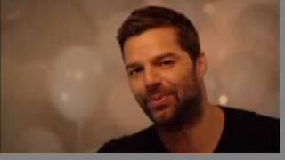 Ricky Martin (Spanish) Sings Happy Birthday
