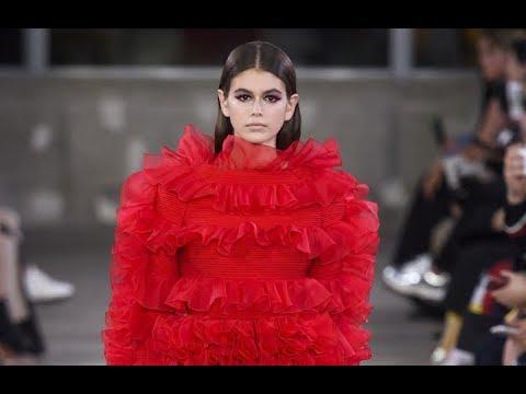 VALENTINO Pre Fall 2019 Tokyo – Fashion Channel