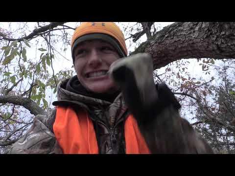 Bow Hunting Missouri Buck Down
