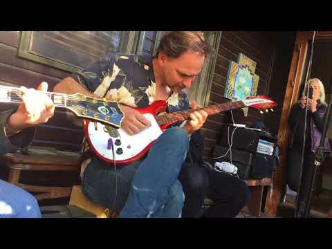 Tony Holiday Porch Sessions - That's Alright Feat Aki Kumar, Charlie Musselwhite