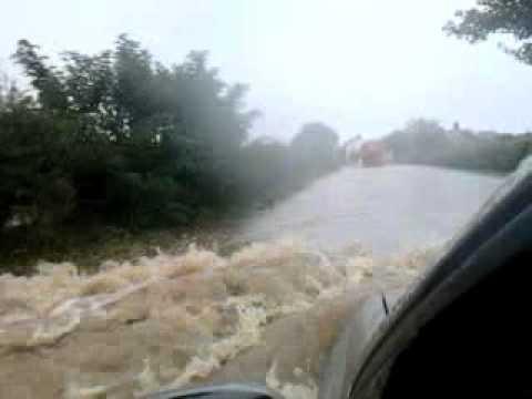 Floods fail Richmond uk