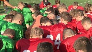 Video Two Football Teams Team up for Sick Girl download MP3, 3GP, MP4, WEBM, AVI, FLV Juni 2018