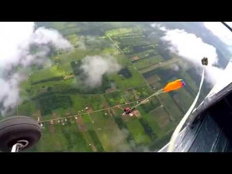 Skydive jump Suriname november 2014 Tijgerkreek