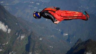 Mit 230 km/h im Wingsuit durch die Lüfte