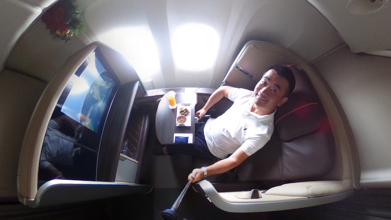 Flight Review: Singapore Airlines New First Class B777-300/ER ...