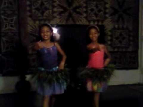 Tonga girls do Tahitian
