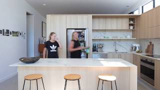 Ways to Shape Sensational Modern Kitchens in Wood and White – Photos, Ideas