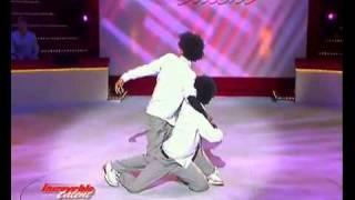 رقص التوام الفرنسي في برنامج المواهب الفرنسي