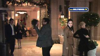 "EXCLUSIVE: Lionel Richie ""Having a Ball"" With Nicole"